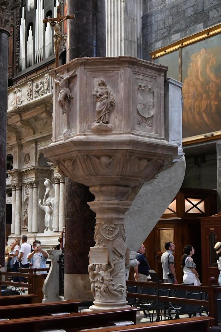 Púlpit de la Catedral de Sant Llorenç de Gènova