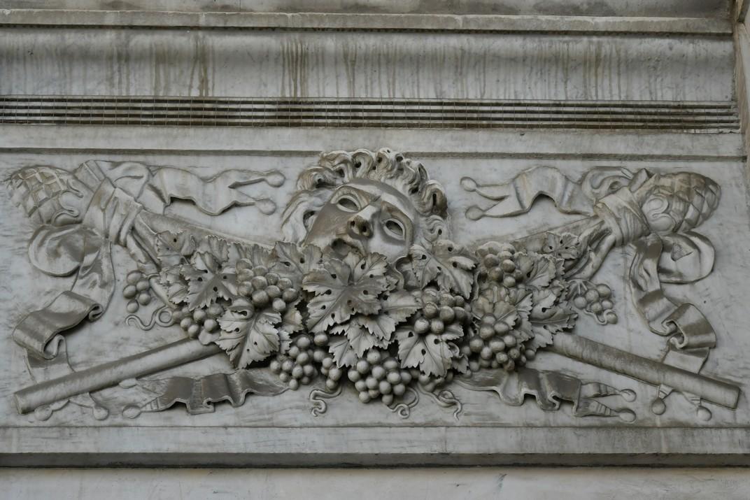 Relleu del Teatre Carlo Felice de Gènova