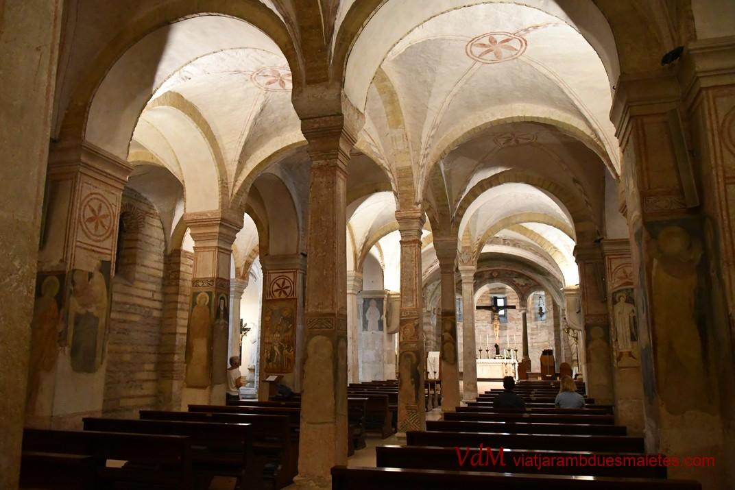 Vestíbul de l'església inferior de Sant Fermo Major de Verona