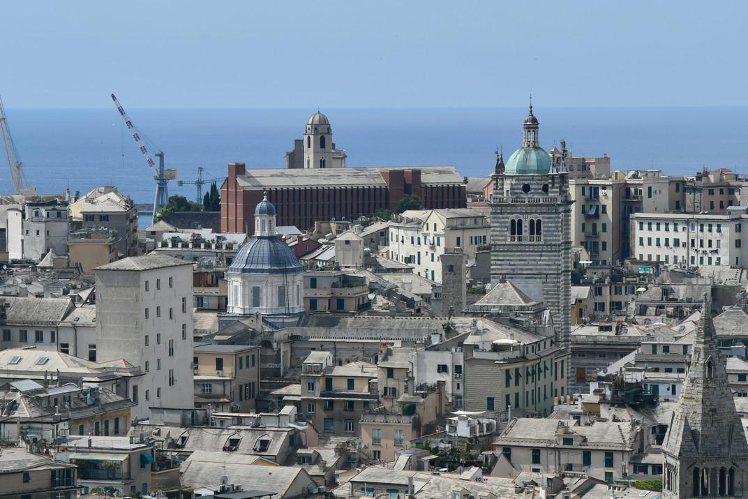 Vistes des del mirador de l'esplanada del Castelleto de Gènova