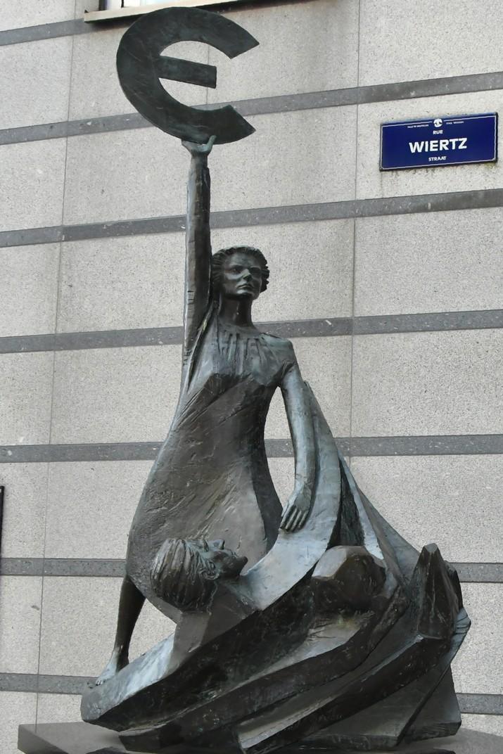 Estàtua de l'Euro del Parlament Europeu de Brussel·les