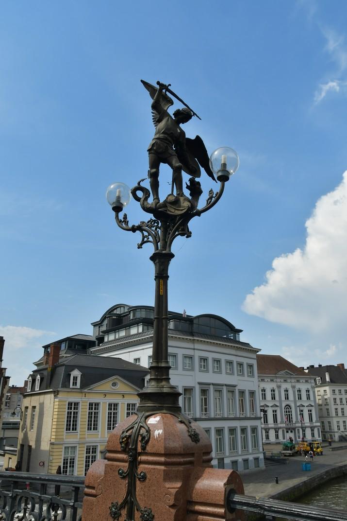 Fanal amb la imatge de sant Miquel de Gant