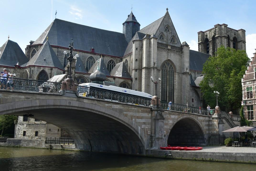 Pont i església de Sant Miquel de Gant