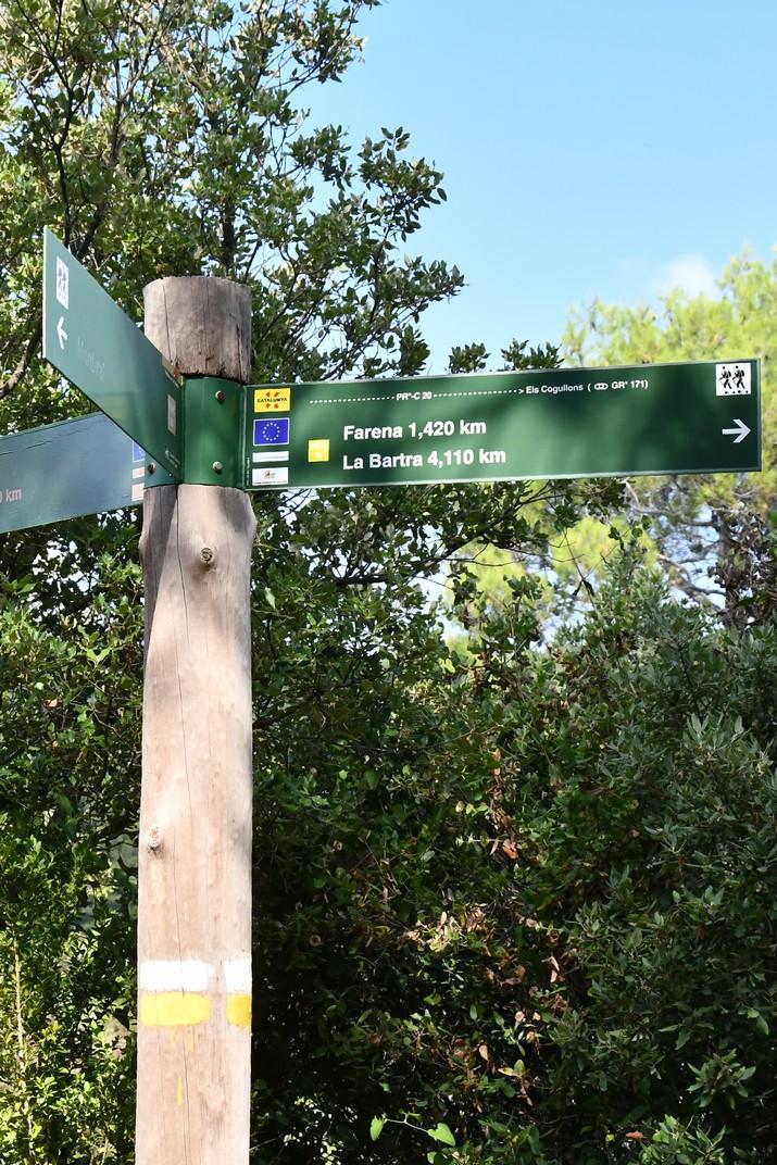 Senyalització de la ruta Mont-ral a Farena de les Muntanyes de Prades