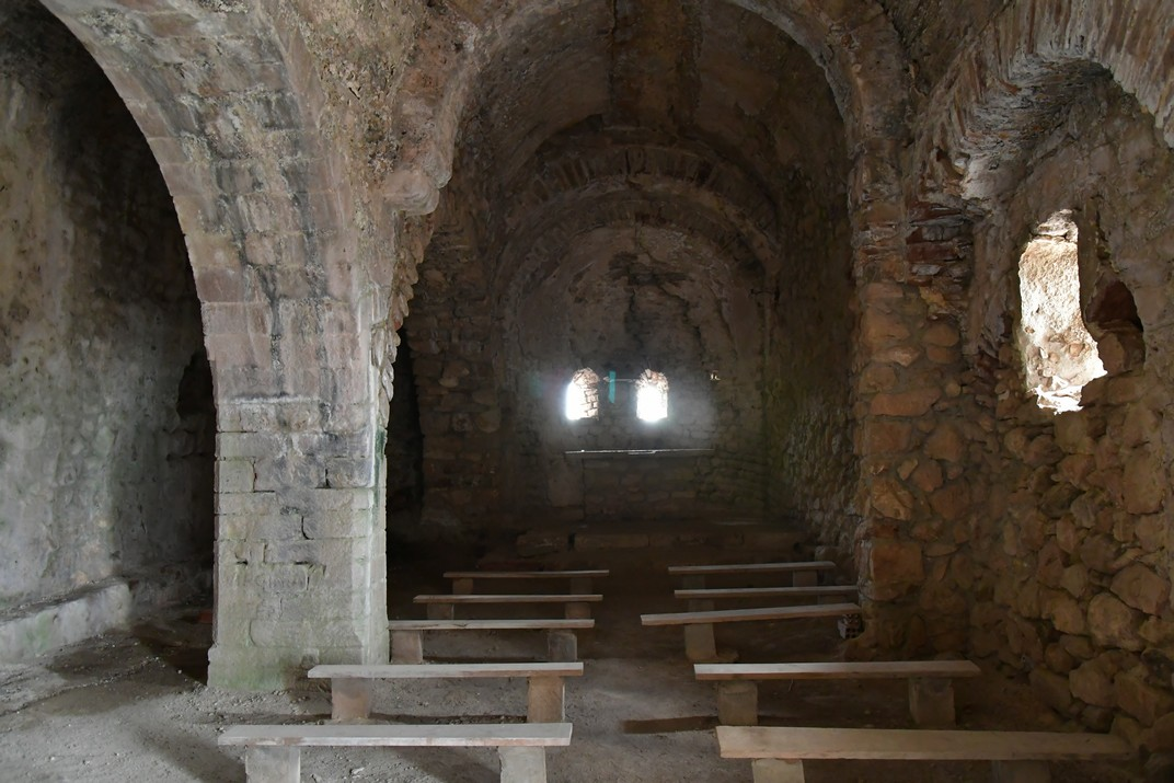 Interior de l'església Vella de Sant Miquel del Montmell