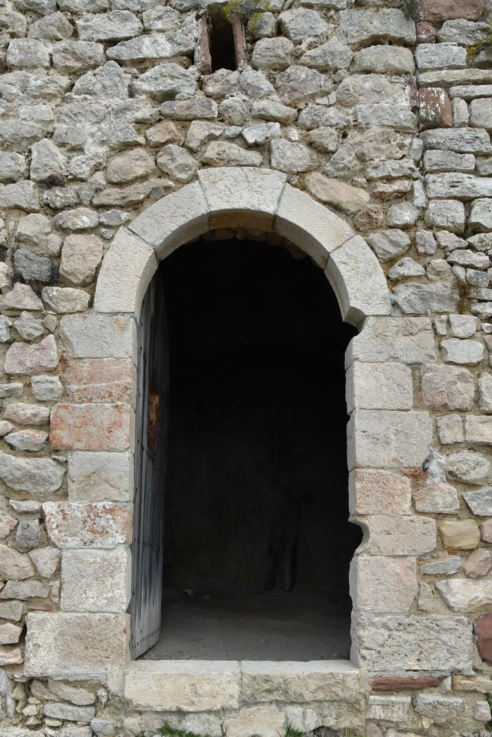 Porta de l'església Vella de Sant Miquel del Montmell