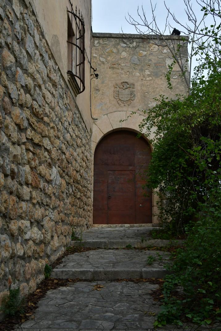 Entrada al Castell de Canyelles - Parc d'Olèrdola