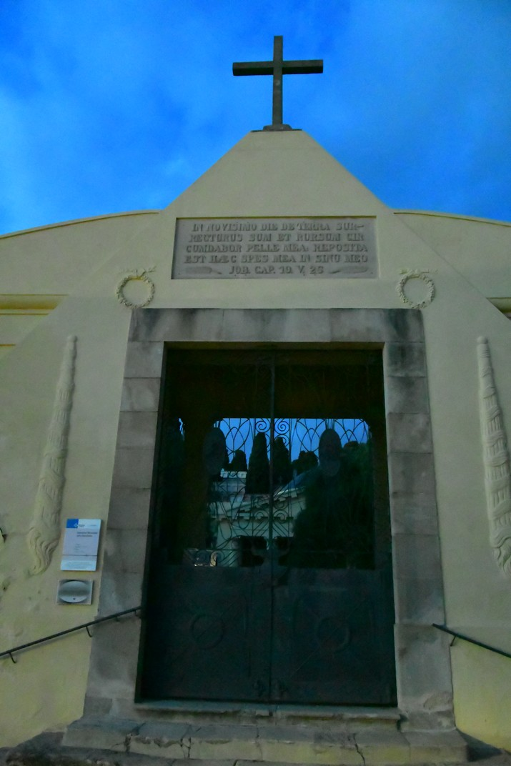 Entrada dels Cementiri dels Caputxins de Mataró
