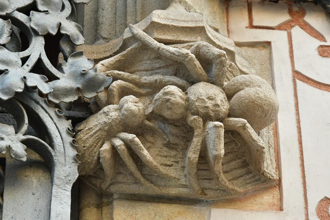 Figures al·legòriques de la Casa Coll i Regàs de Mataró