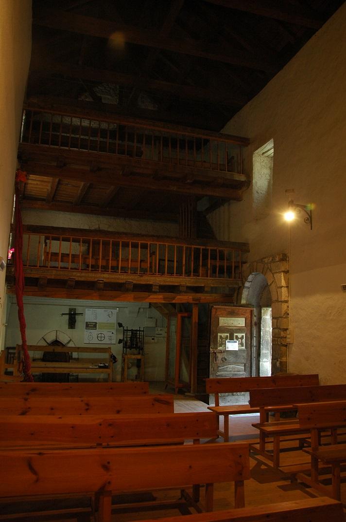 Accés al campanar de l'església de Sant Pere d'Escunhau