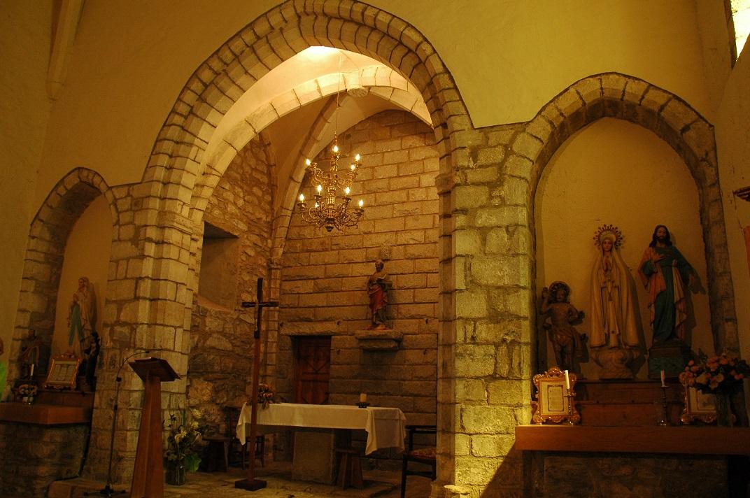Altar major de l'església de Sant Pere d'Escunhau