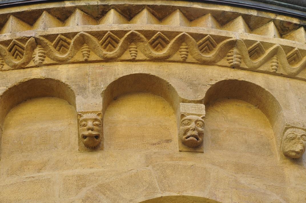 Arcuacions de l'exterior de la col·legiata de Neuchâtel