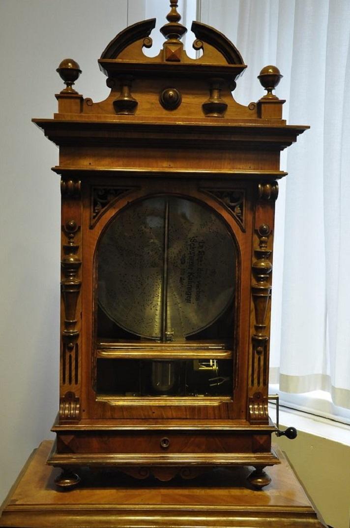 Caixes de música en forma de rellotges del museu de la Sainte-Croix