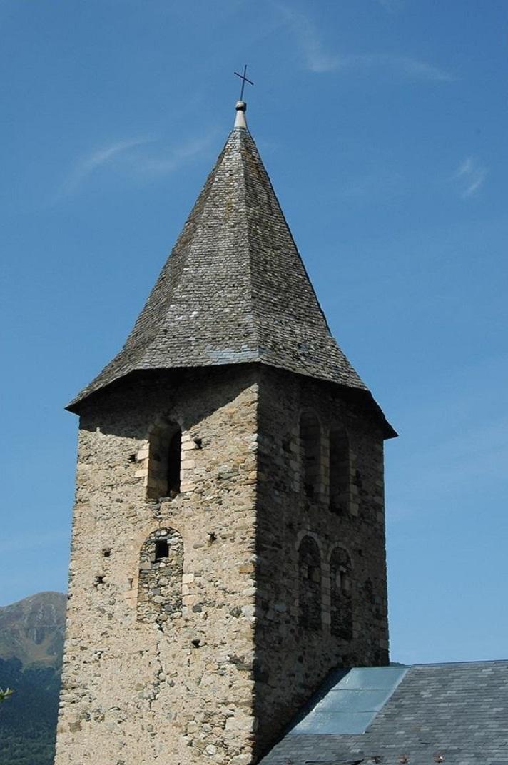 Campanar de torre de l'església de Sant Pere d'Escunhau