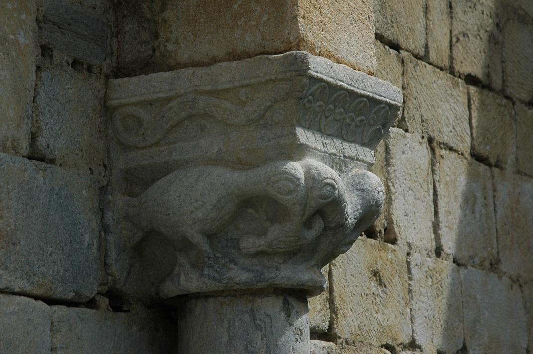 Capitell del mur sud de l'església de Salardú