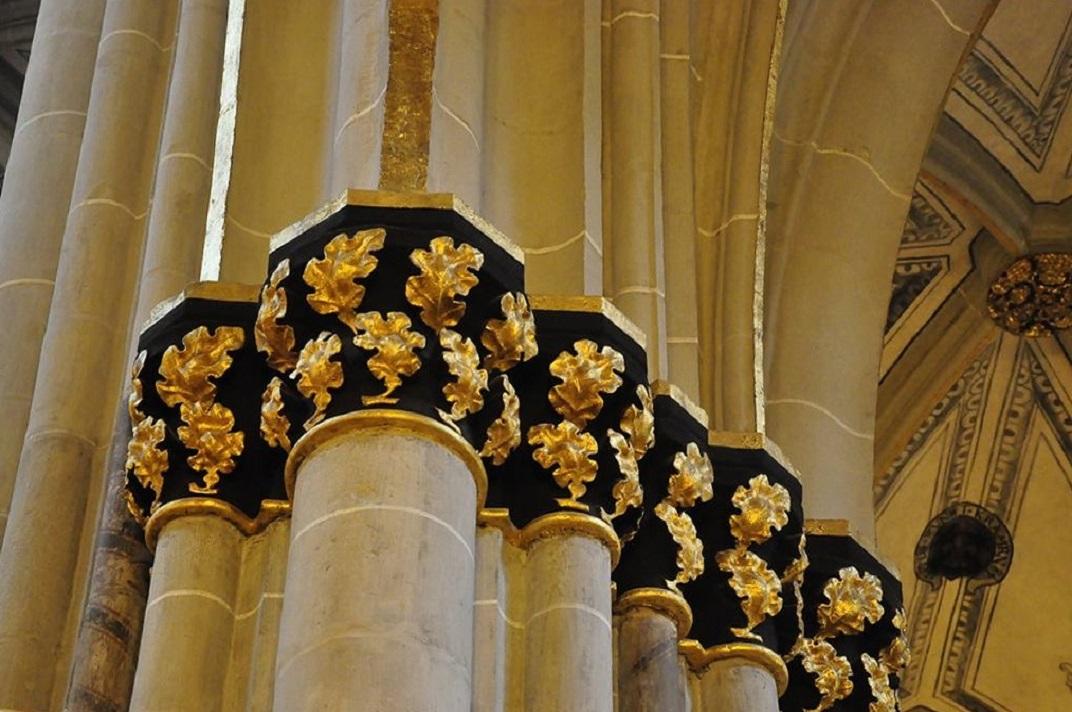 Capitells daurats de la Catedral de Friburg