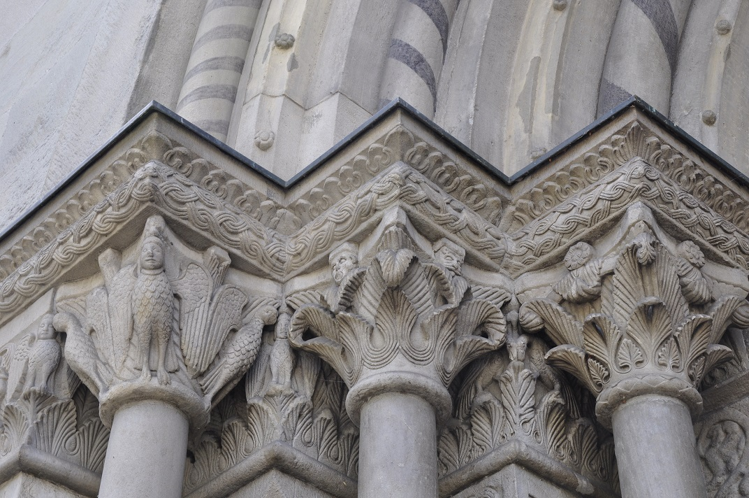 Capitells de l'exterior de la Grossmünter de Zuric
