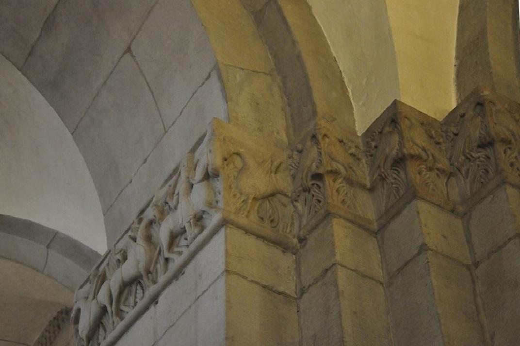 Capitells de l'interior de la Grossmünter de Zuric