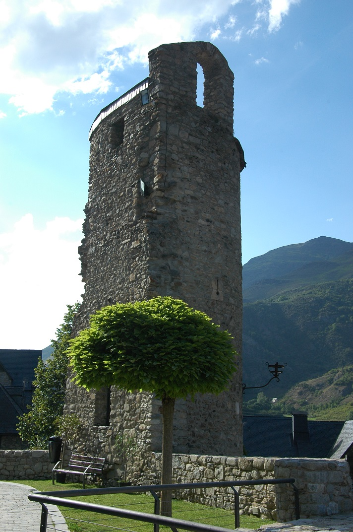 Castell de Santa Maria d'Arties