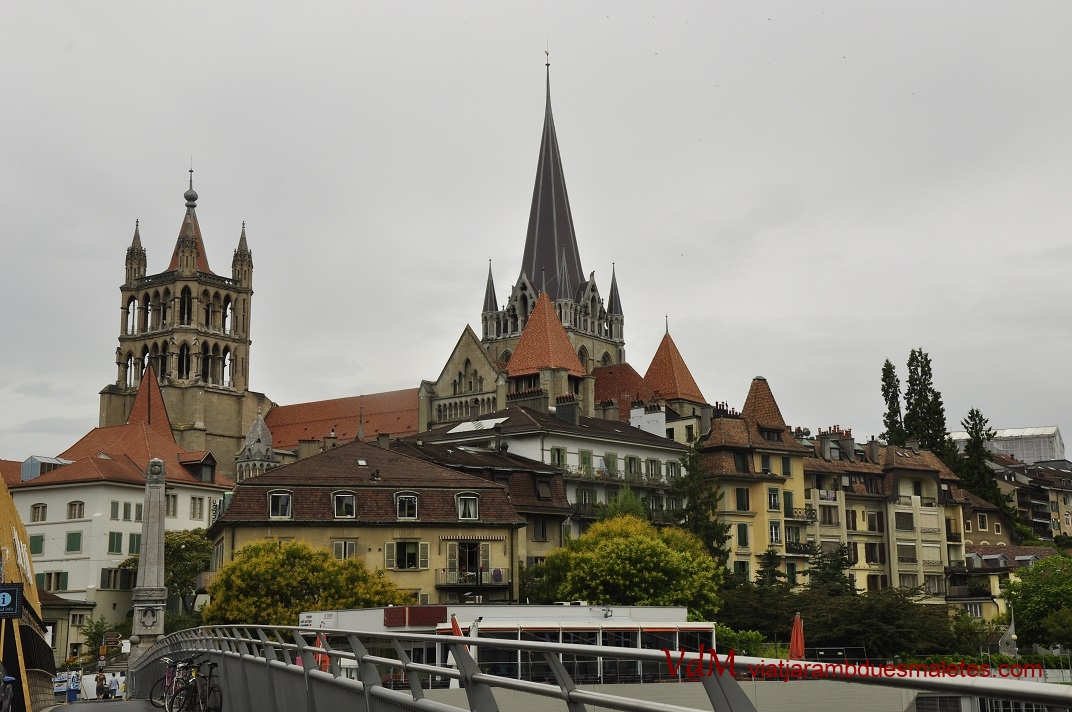 Ciutat Vella de Lausana des del pont de Bessières