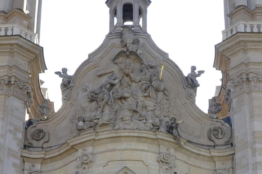 Coronació de la Mare de Déu de la façana oriental de la Catedral de Sankt Gallen