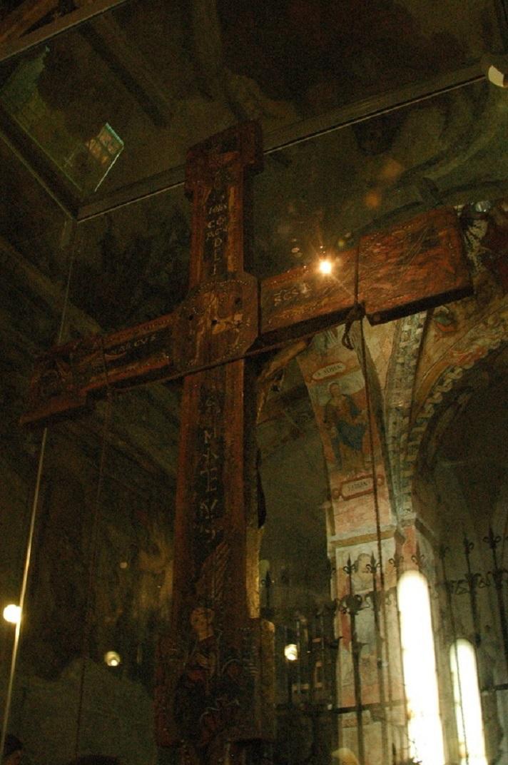 Creu de fusta de l'absis de l'església de Sant Andreu de Salardú