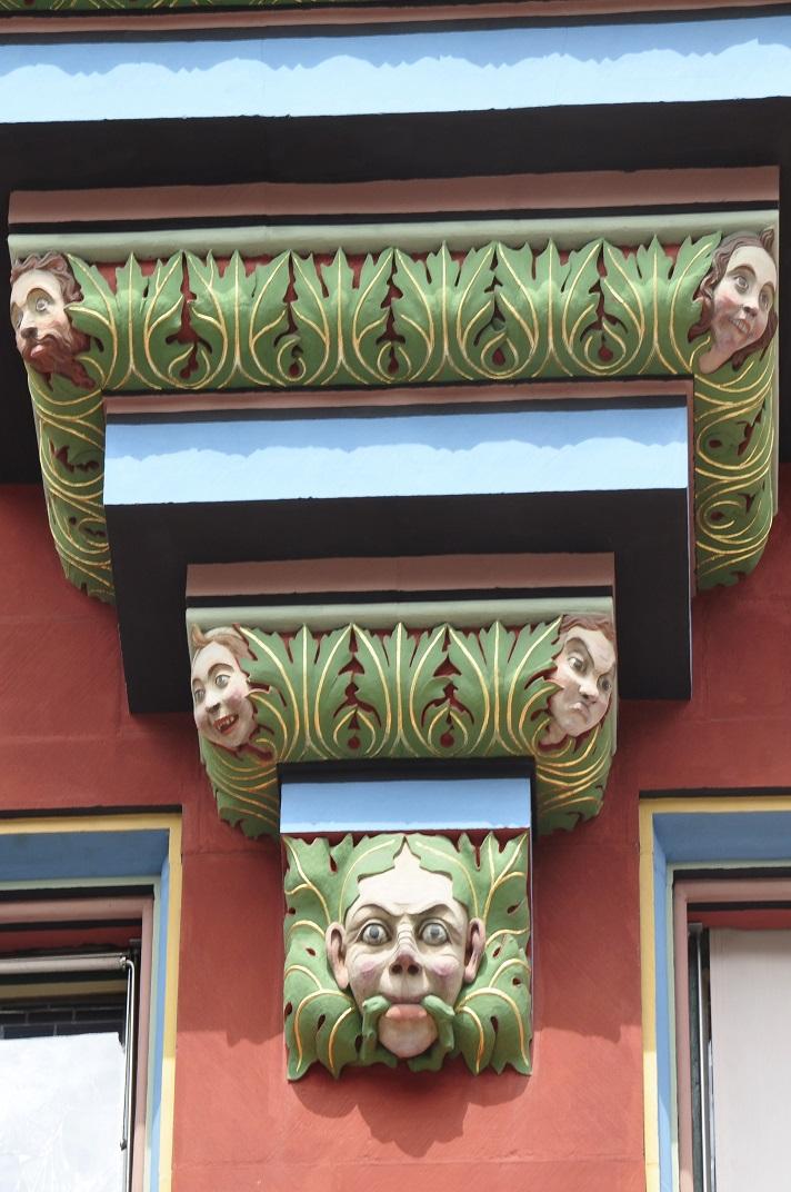 Detall de la façana de l'Ajuntament de Basilea