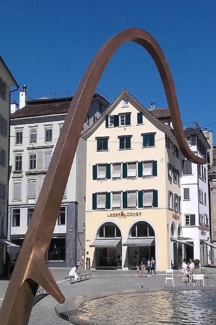 Edificis de la plaça de la catedral de la Nostra Senyora de Zuric