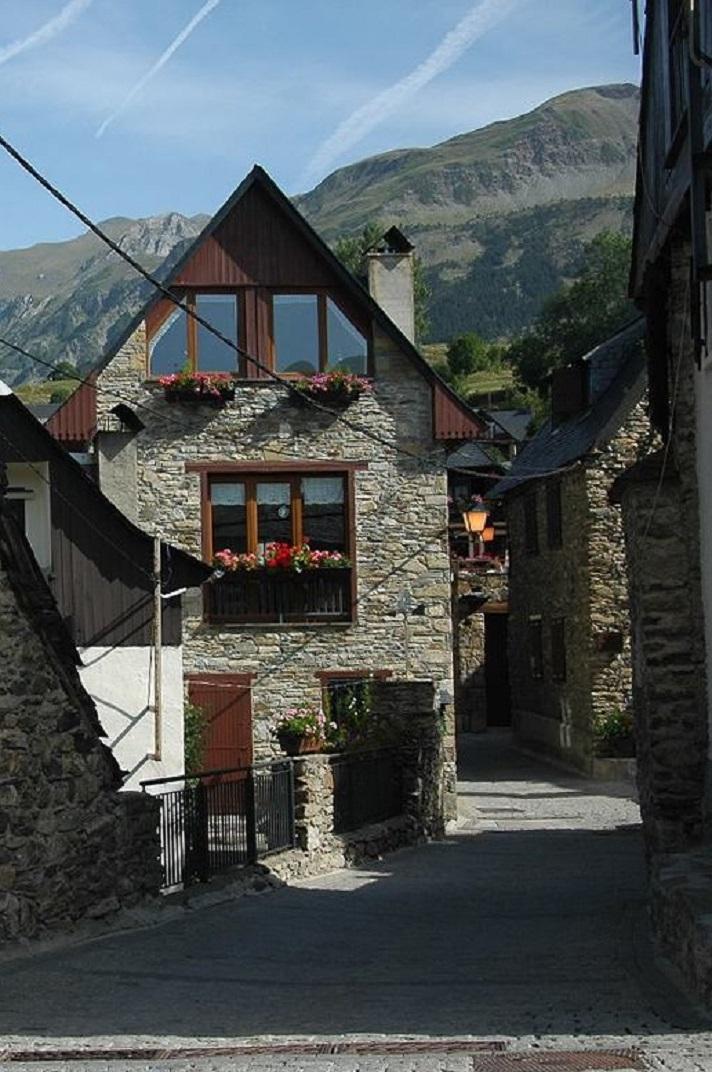 Entrada al poble de Bagergue