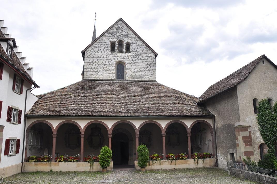 Entrada de la catedral de Schaffhausen