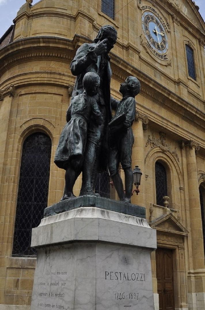 Estàtua de Johann H. Pestalozzi de Yverdon-les-Bains