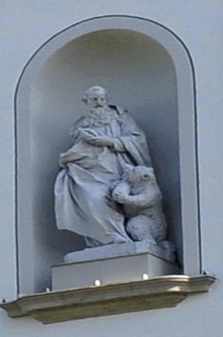 Estàtua de Sant Gal a l'entrada principal de la Catedral de Sankt Gallen