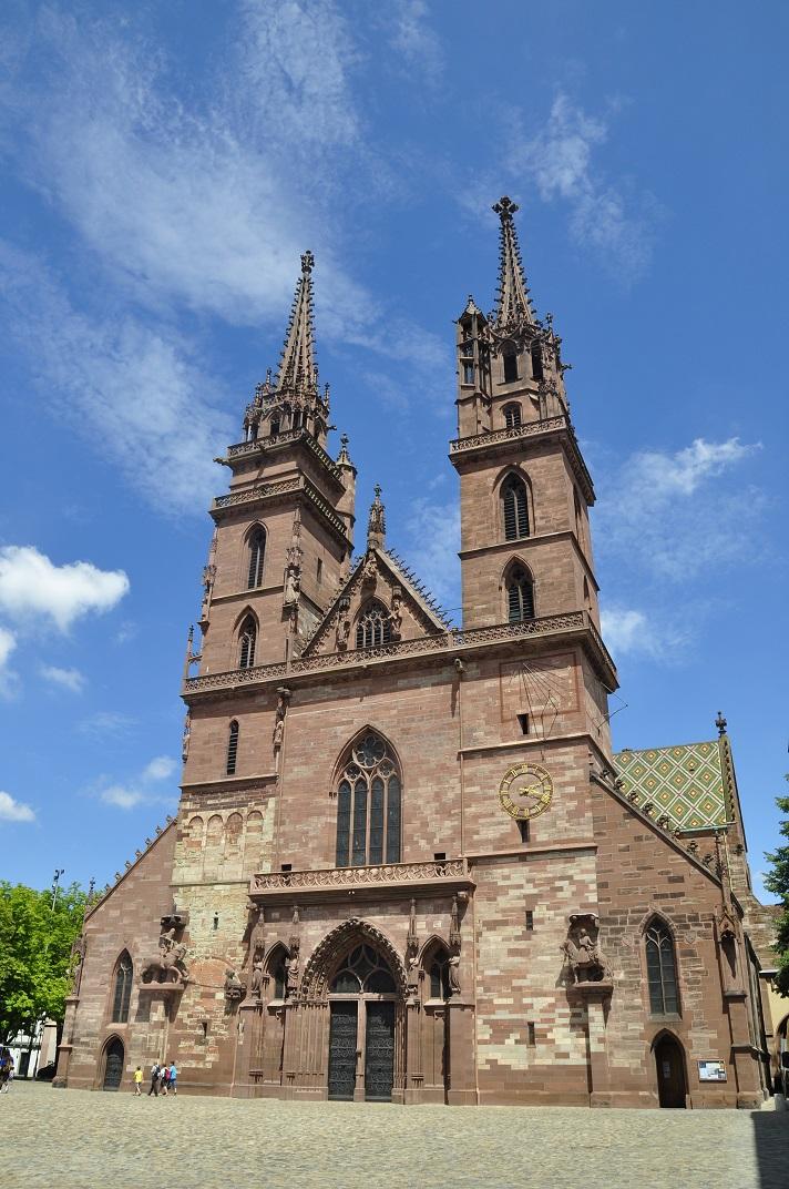 Façana principal de la Catedral de Basilea
