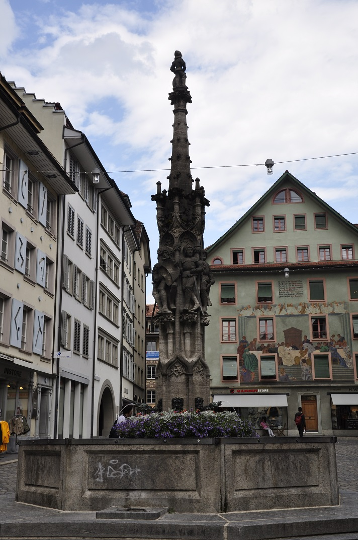 Font de la plaça del mercat de vins de Lucerna