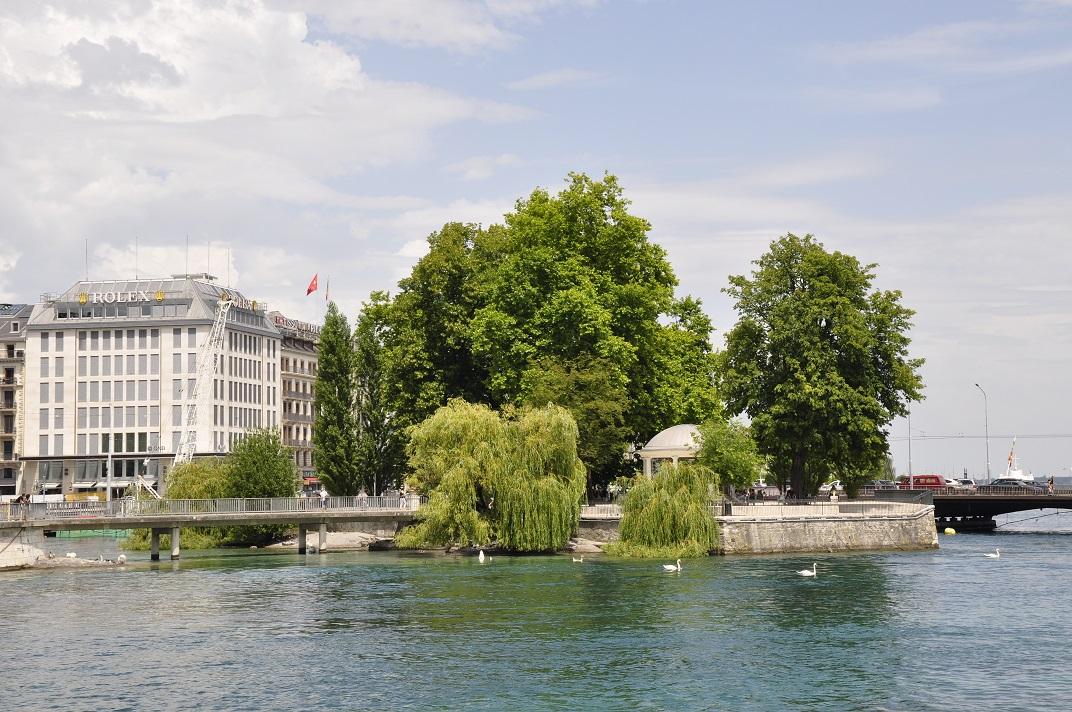 Illa Rousseau del port de Ginebra