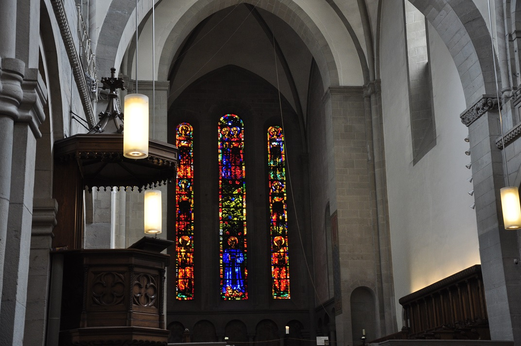 Interior de la Grossmünter de Zuric