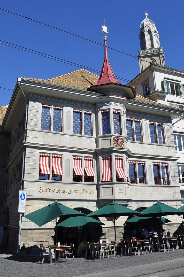 La casa gremial Haus zur Zimmerleuten de Zuric