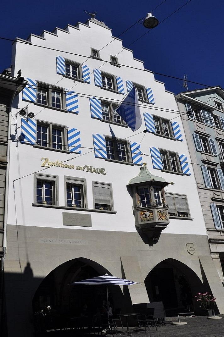 La casa gremial Zunfthaus zur Haue de Zuric