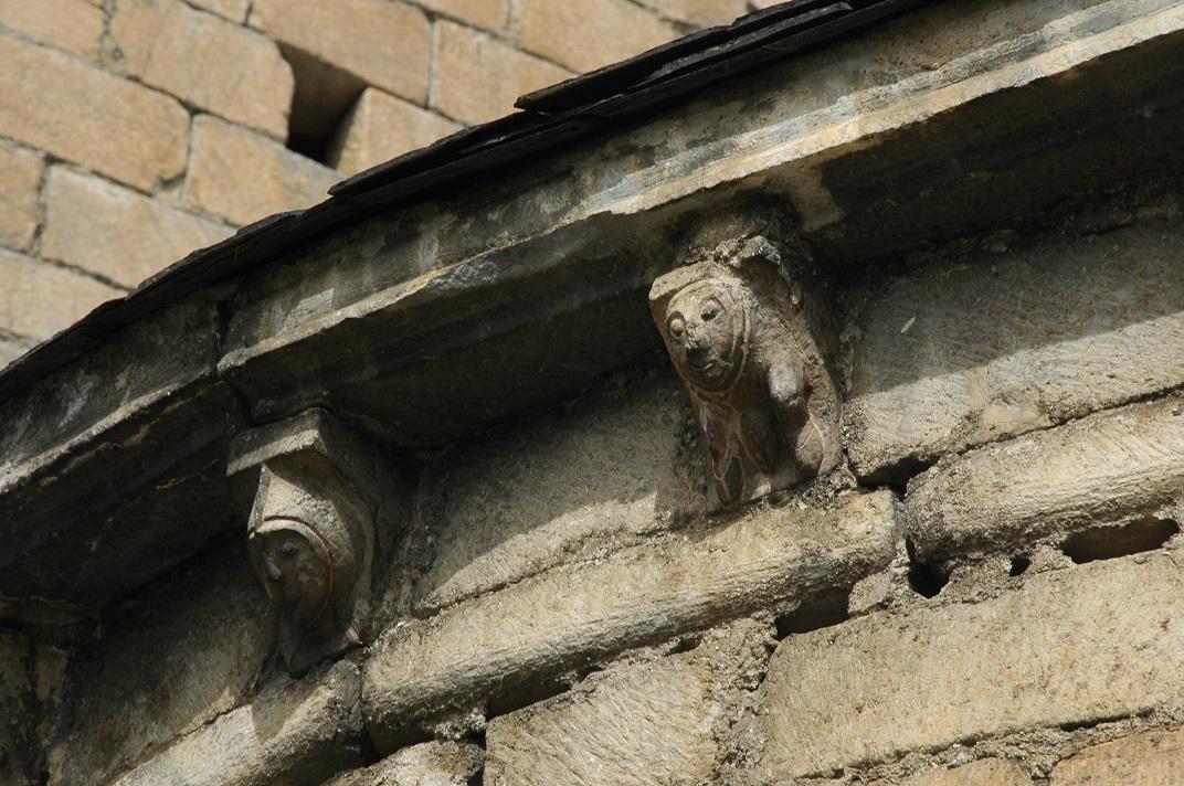 Mènsules de l'absis de la capçalera de l'església de Salardú