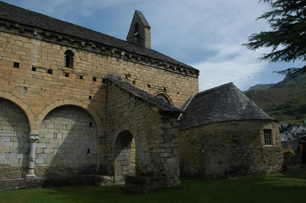 Mur sud de l'església de Salardú