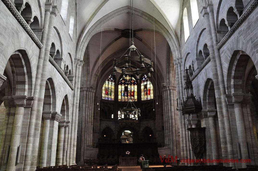 Nau central de catedral de Basilea