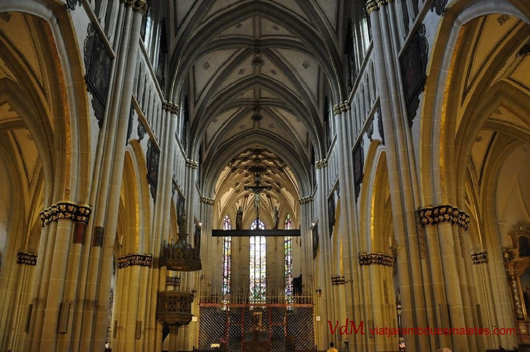 Nau central de la Catedral de Sant Nicolau de Friburg