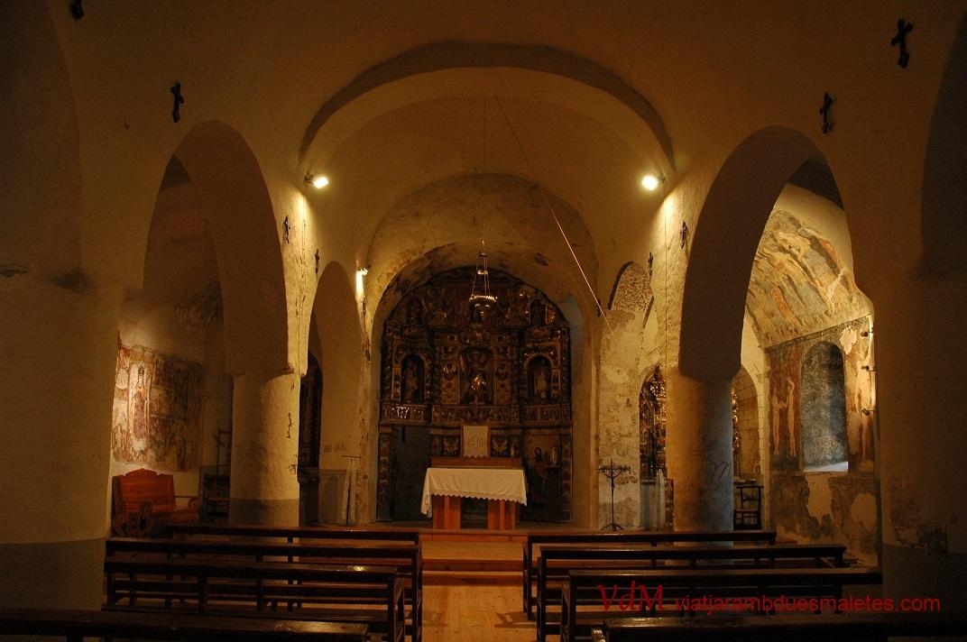 Nau central de l'església de Santa Eulàlia d'Unha