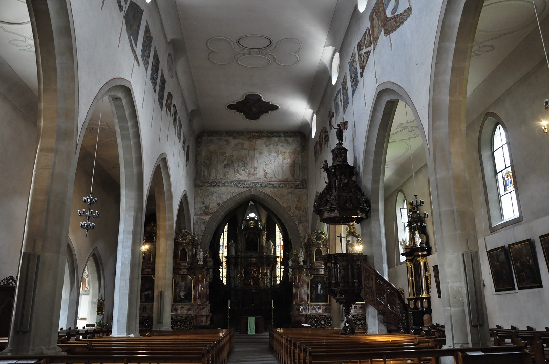 Nau central de l'església franciscana de Lucerna
