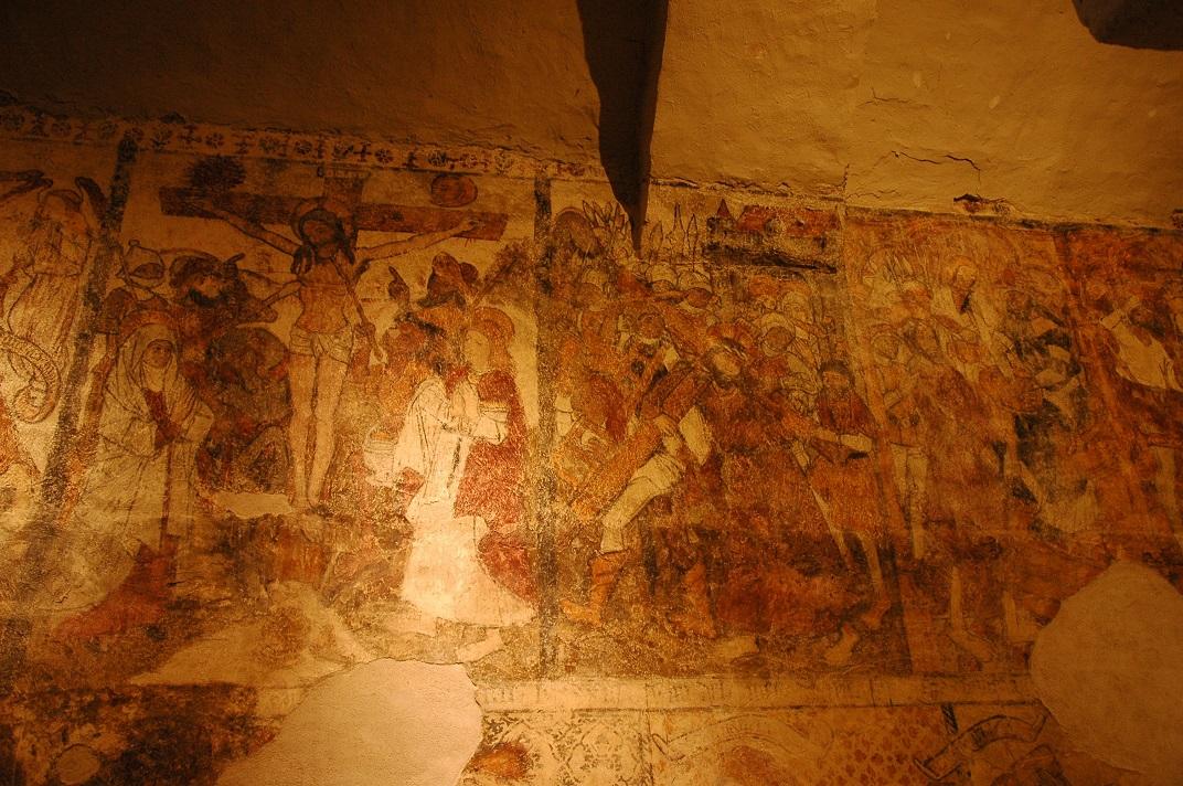 Pintures murals de Crist crucificat de l'església de Santa Eulàlia d'Unha