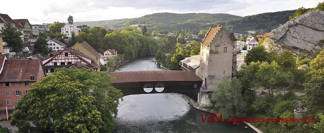 Pont de fusta sobre el riu Limmat de Baden