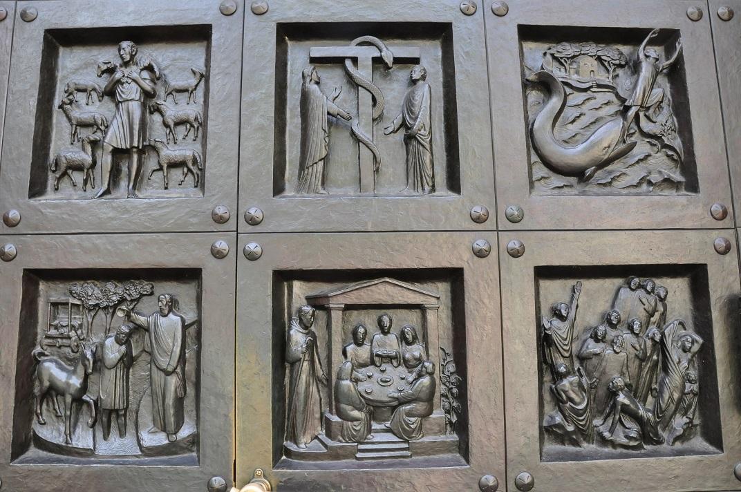 Porta de bronze del pòrtic romànic de la Grossmünter de Zuric
