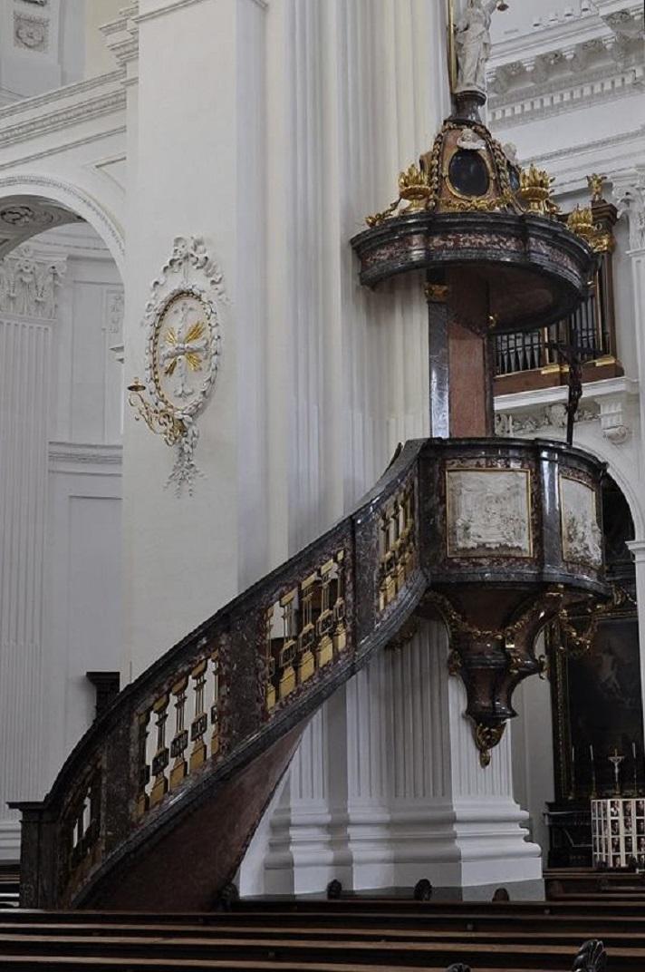 Púlpit de la nau central de la Catedral de Solothurn