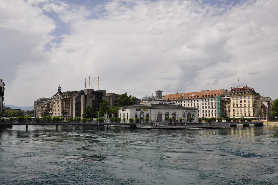 Riu Roine del Port de Ginebra