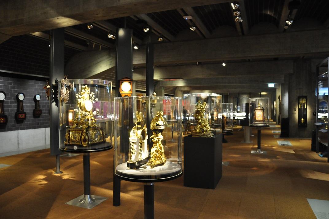 Sala de vitrines del museu de rellotgeria de La Chaud-de-Fonds